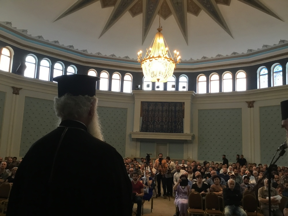 о. Феодор Зисис обращается к сотням верующих относительно неправославной организации и документов «Критского Собора» и о надлежащем ответе на него со стороны православных.