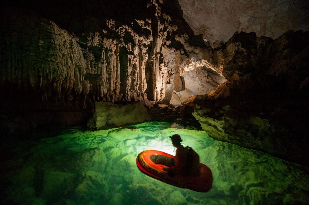 8. Хотя живой мир пещер обычно не очень богат (исключая привходовую часть, куда попадает солнеч