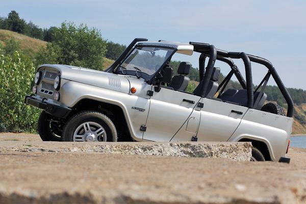 """Это УАЗ Hunter """"Пляж"""". В честь 70-летия завода было выпущено всего 70 таких автомобилей."""