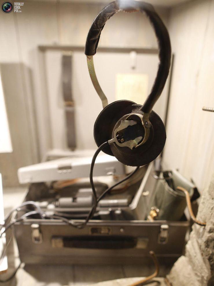 2. Подслушивающие устройства из Штази в Восточной Германии на выставке в музее шпионажа.