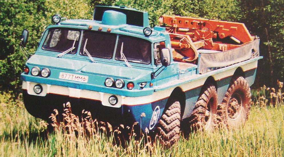 Полностью укомплектованная спасательная машина ЗИЛ-49061. 1995 год