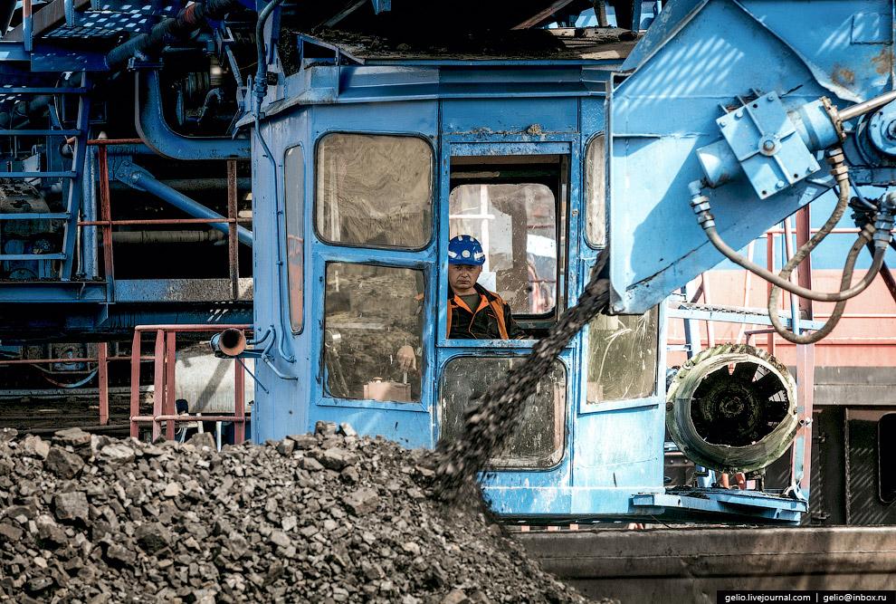 46. Транспортировка угля осуществляется тепловозами на станцию «Угольная-2» и далее на Назаровс
