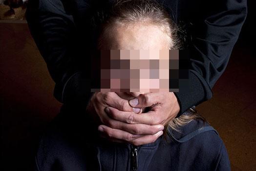 ВБрюховецком районе педофил занимался сексом ссестрами-школьницами