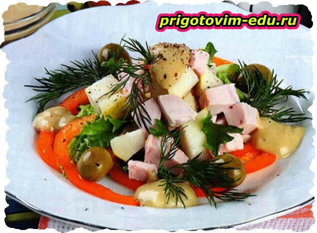 Куриный салат с грушами