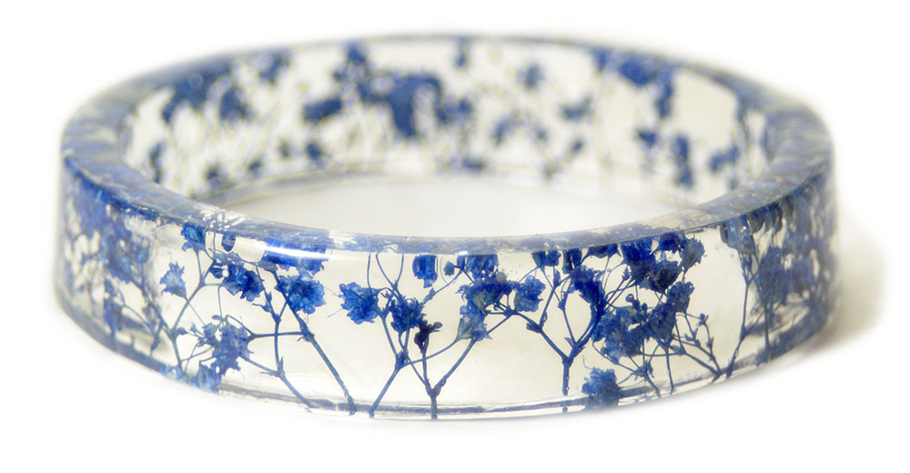 Handmade Resin Bangles Embedded with Flowers and Bark (8 pics)