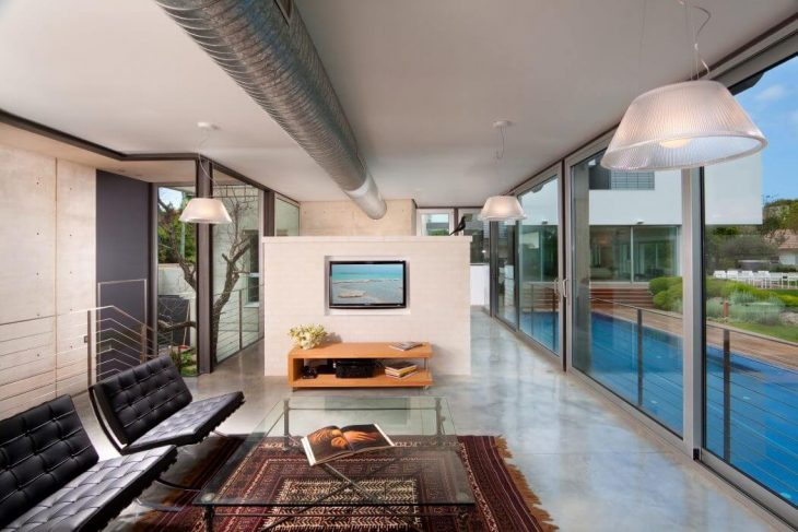Luxury Villa in Ramat Gan by Dror Barda