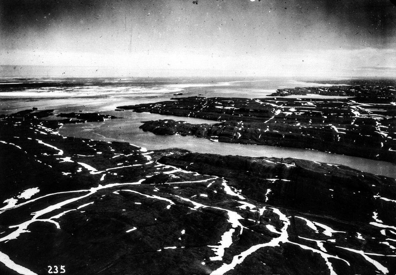 1931. Новая Земля. Вход в пролив Маточкин Шар