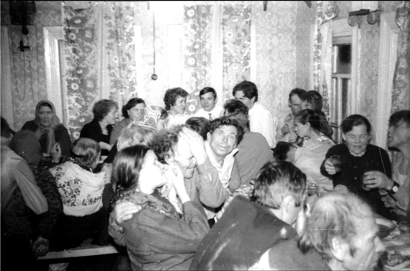 Лица советской эпохи. Часть 314. 1972. Пьянка в деревне Белощелье