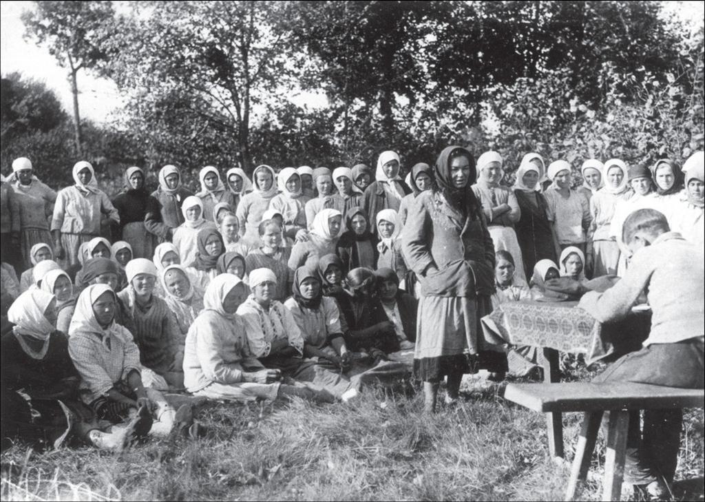 Tovarishheskij-sud-nad-simulyantkov-v-kolhoze.-Ukraina-Kievskaya-obl.-1933.jpg