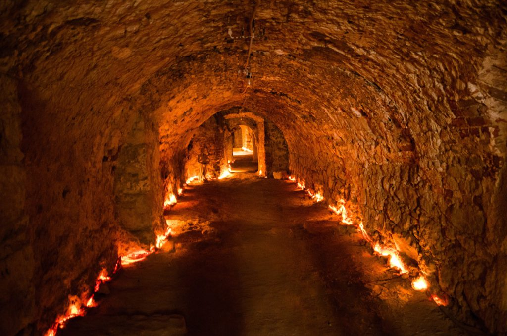 катакомбы пещера тайна туннель Чехия