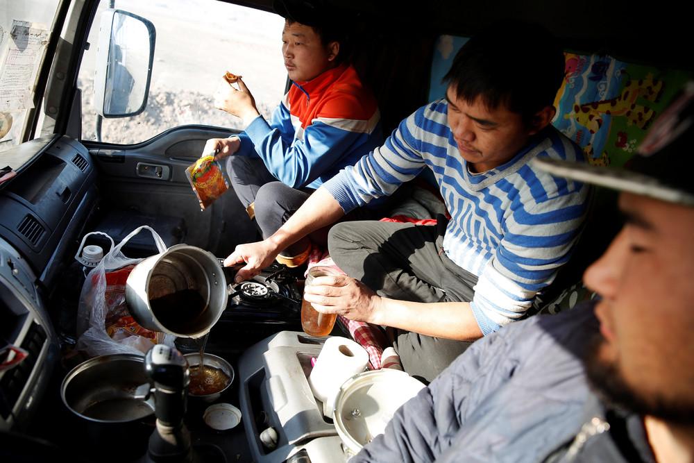 Нелегкий путь угля из Монголии в Китай