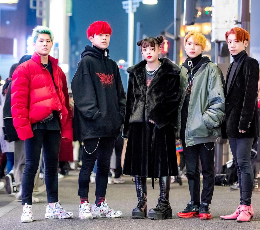 Модные персонажи на улицах Токио (17.04.18)
