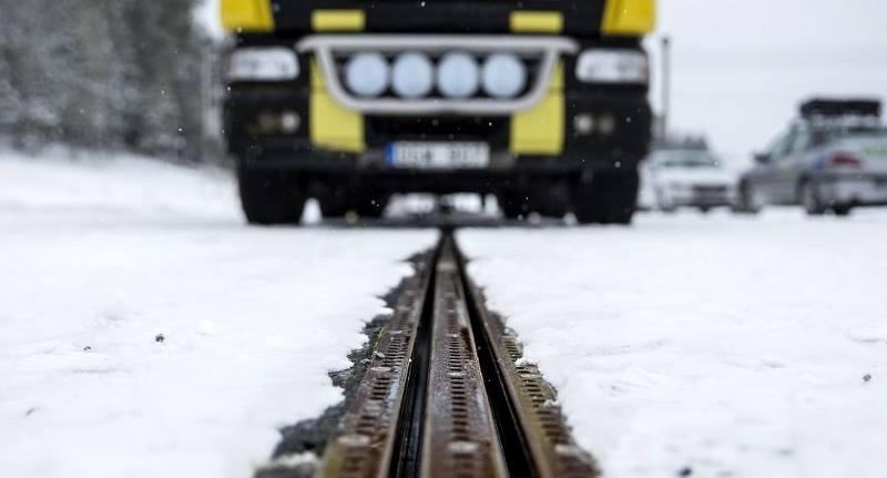 дорога зарядка рельсы Швеция электричество электромобиль