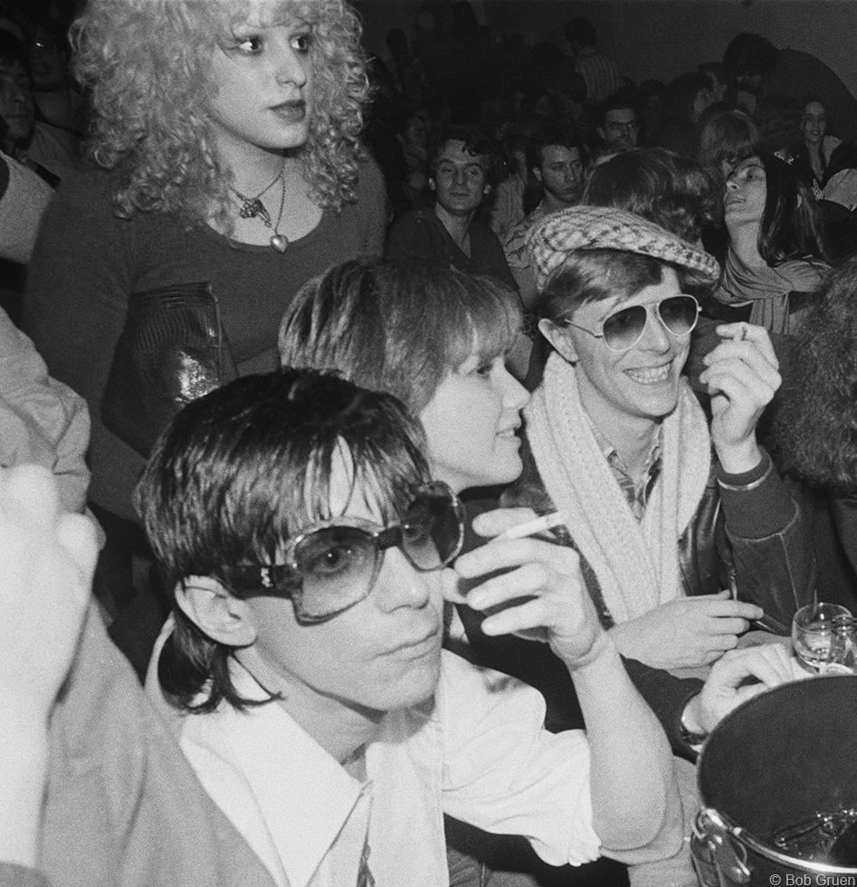 1977. Игги Поп, Нэнси Спанджен, Сиринда Фокс & Дэвид Боуи