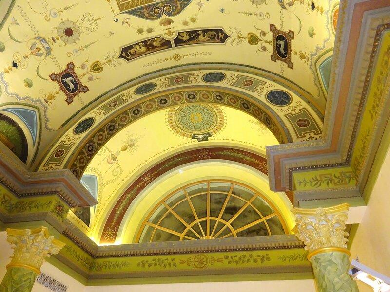 Потолок галереи Жиро, детали