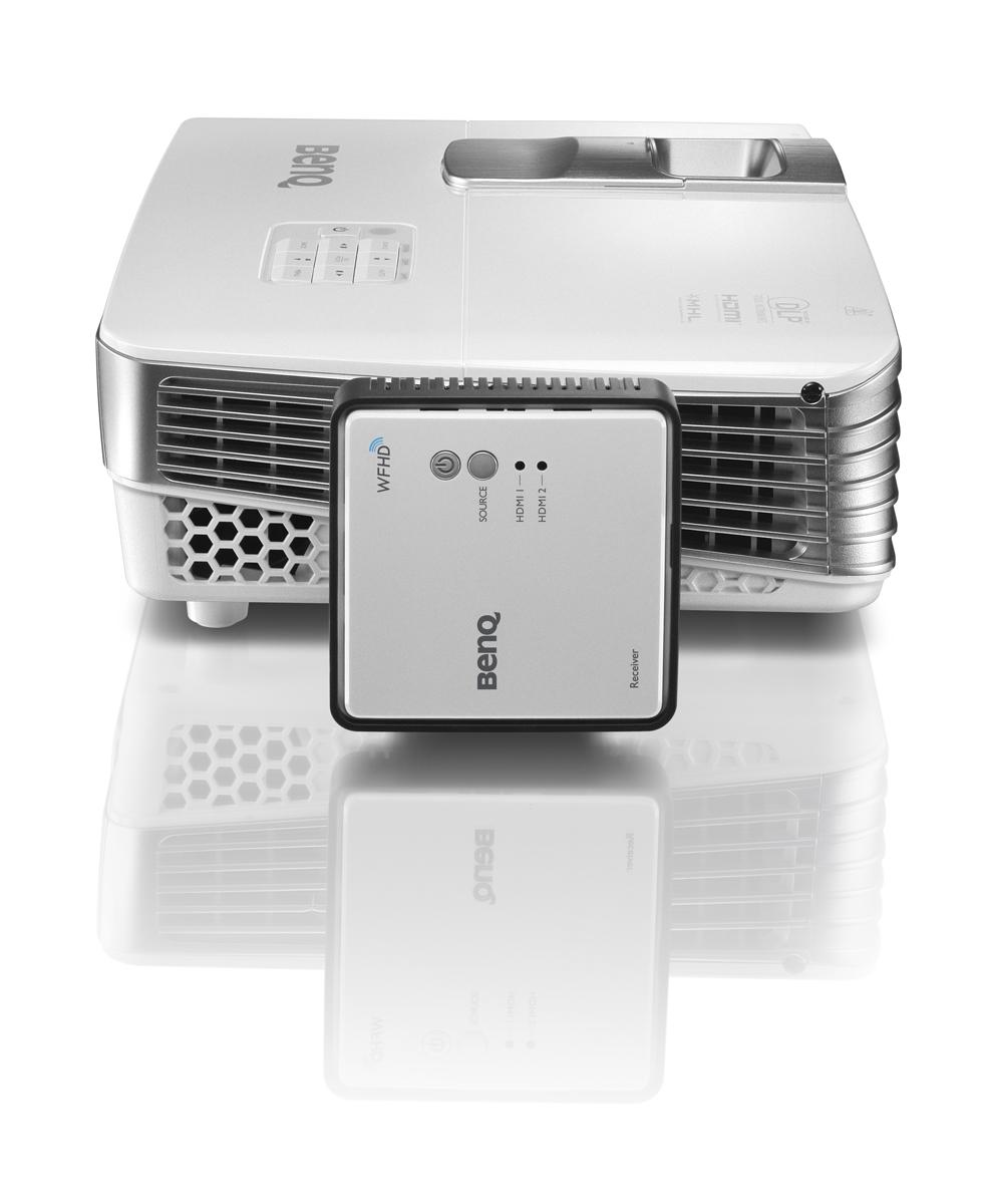 2. Беспроводной FullHD адаптер BenQ — устройство, позволяющее максимально удобно устанавливать проек