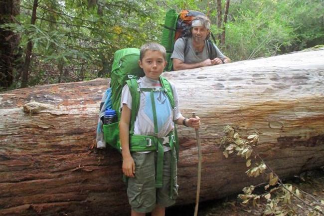 © David Finlayson/facebook  Дэвид Финлейсон увлекался горными походами, вместе ссыном Чарли о