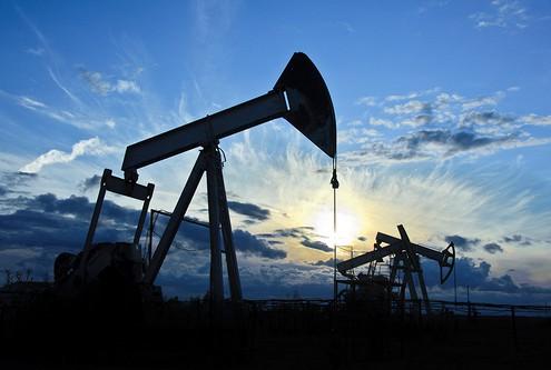 Нефть начала дорожать из-за информации озаморозке нефтедобычи