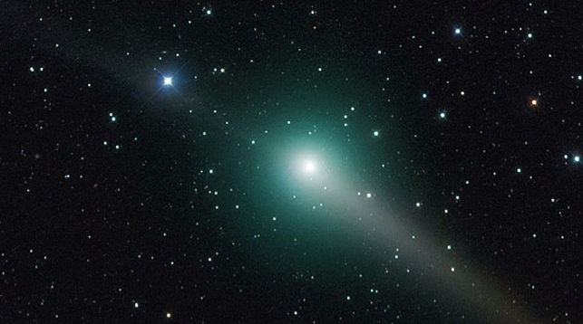 Ночью 4июня москвичи смогут наблюдать летящую кЗемле комету Джонсона