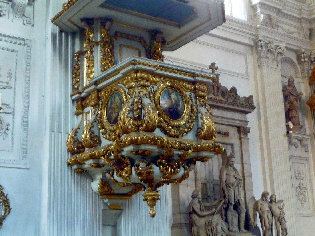 Церковь Св. Михаила.
