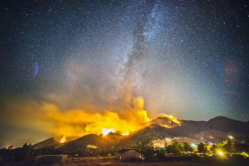 The Way Fire burns on August 19, 2014 in the Sierra National Forest near Kernville, CA overnight. Lo