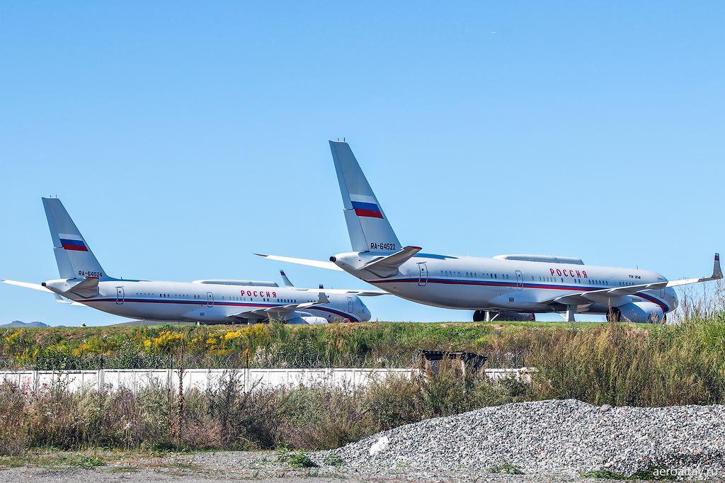 Самолеты Ту-214 президента Путина в Горно-Алтайске