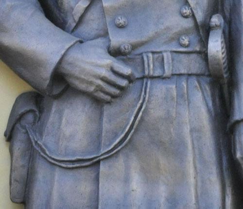 15.Памятник_мундир_500.jpg