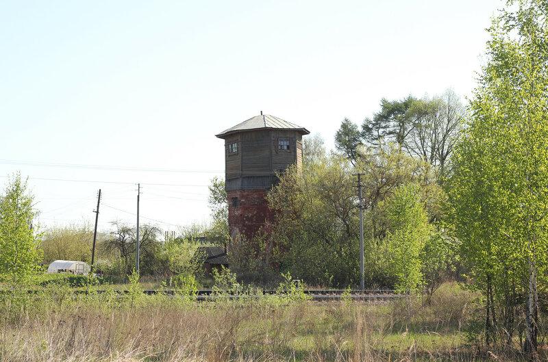 Деревянная водонапорная башня на станции Зубцов