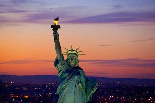 kto-podaril-statuyu-svobodyi-amerike.jpg