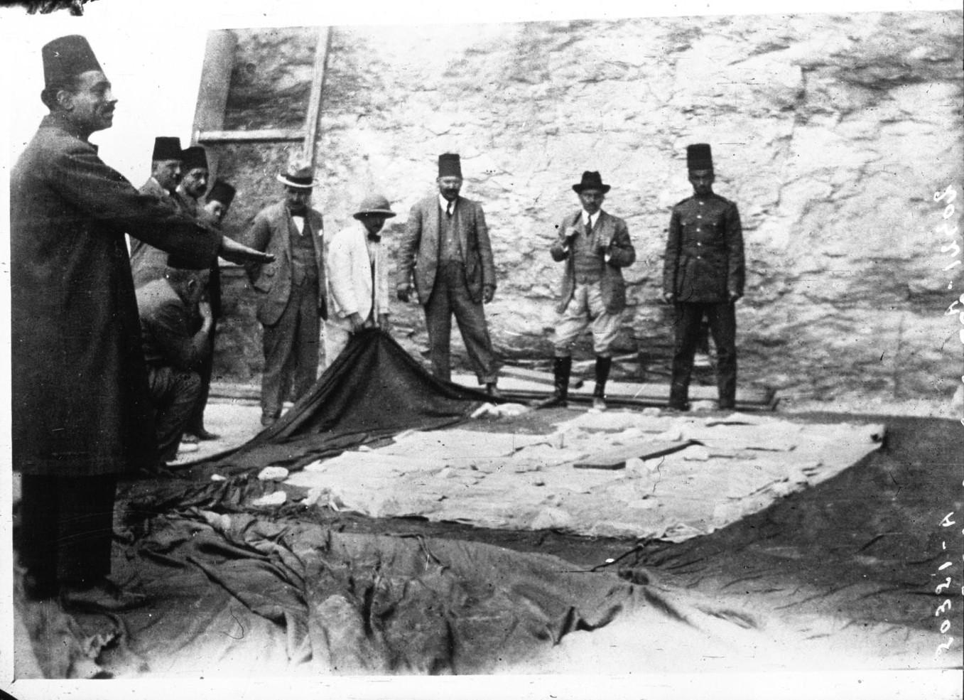 Открытие гробницы