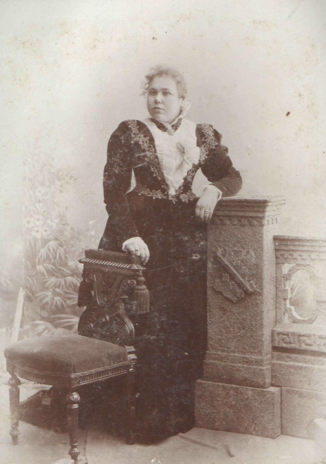 Портрет молодой женщины 1890-е