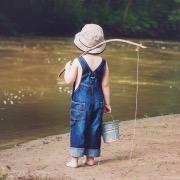 Мальчик - рыбак
