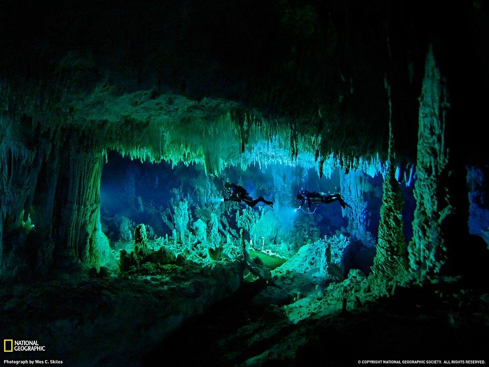 В мире пещеры приключения приключение горы планеты путешествия небоскребы