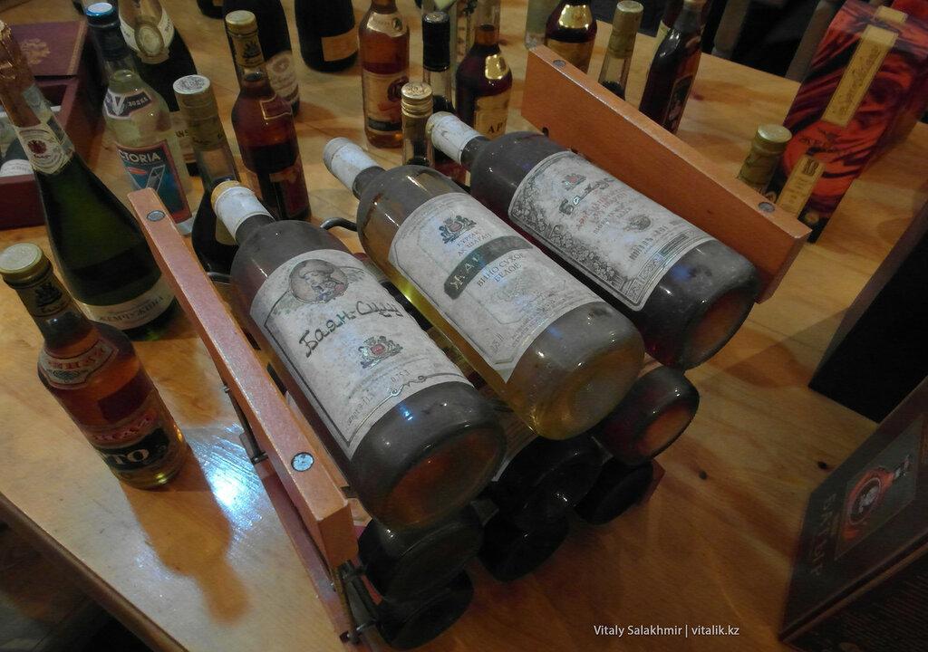 Раритетное вино Бахуса в музее