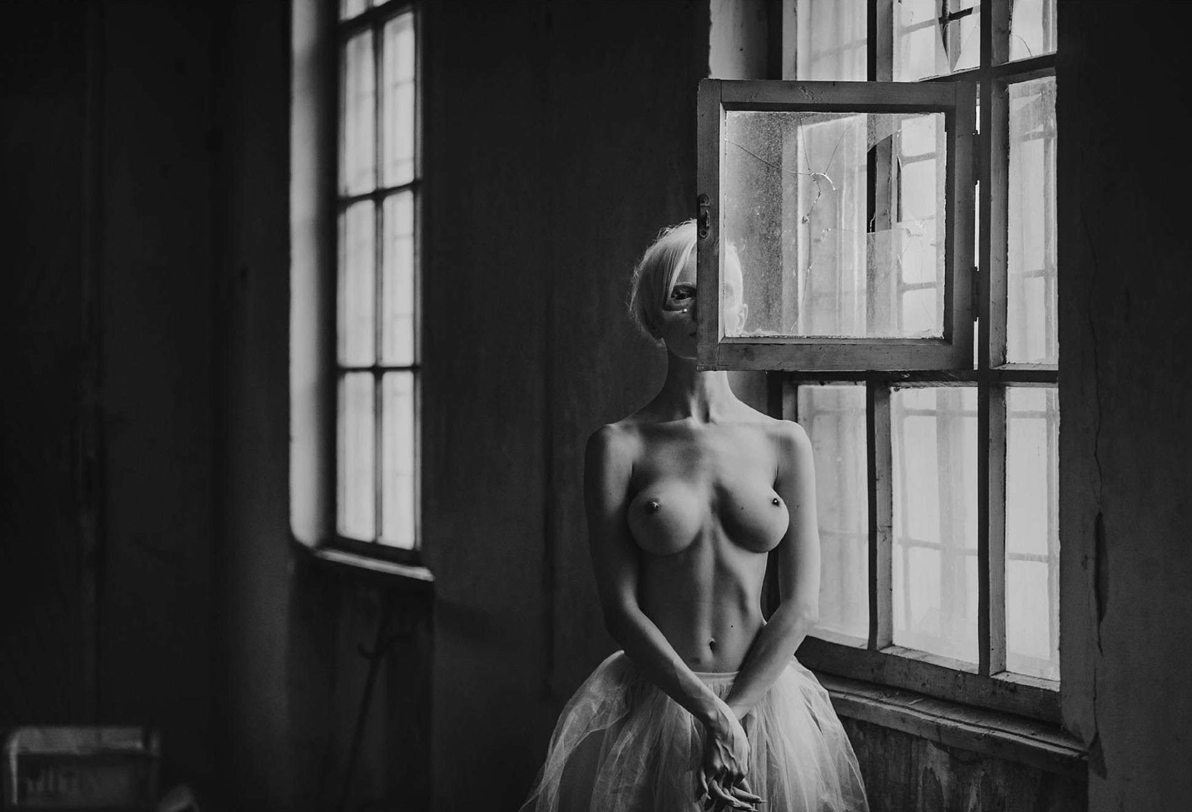 Киев, Рыбальский Остров - Алиса Лисс / Alisa Liss nude by Arkadiy Kurta - Volo Magazine april 2017