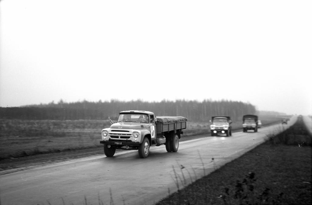 Приезд в Москву ЗИЛов из пробега по Европе, 27 октября 1965