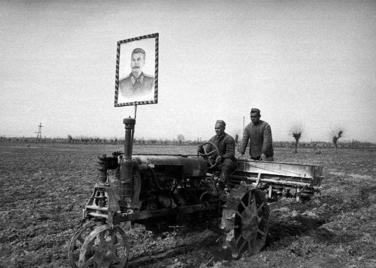 Stalin-traktor-1-768x548.jpg