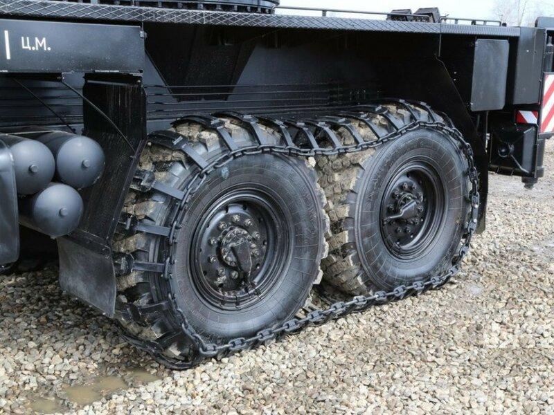Накидные гусеницы на колёса грузовика