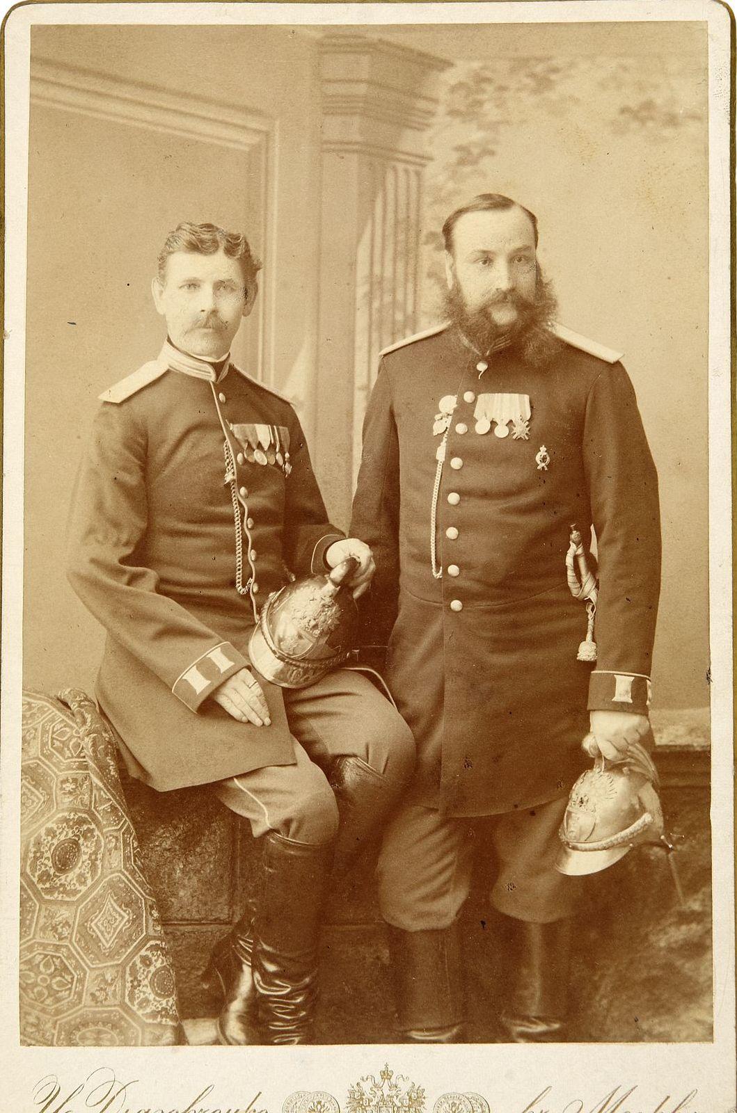 Фото чинов Московской пожарной охраны. Мастерская И. Дьяговченко, Москва, 1880-е