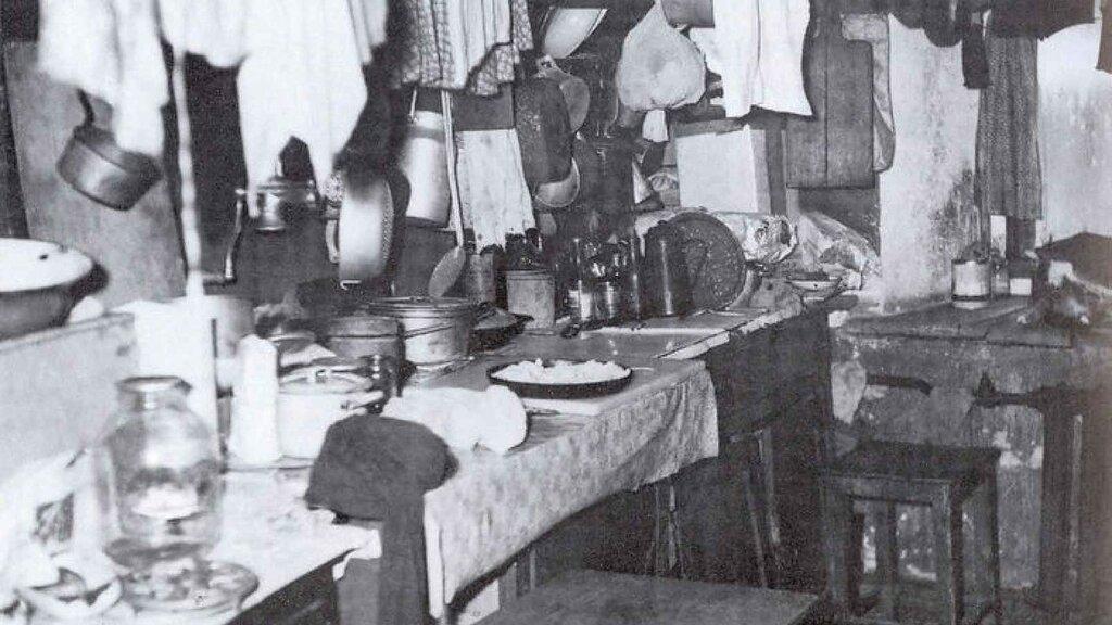 communal-kitchen-soviet-union.jpg