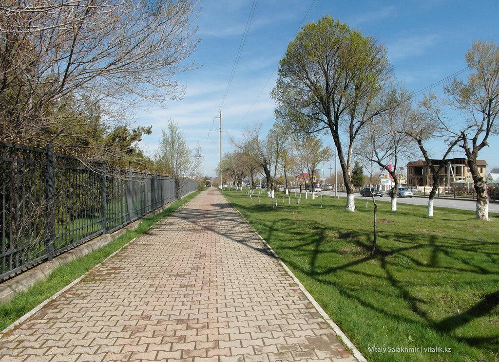 Дорога от дендропарка до зоопарка Шымкент