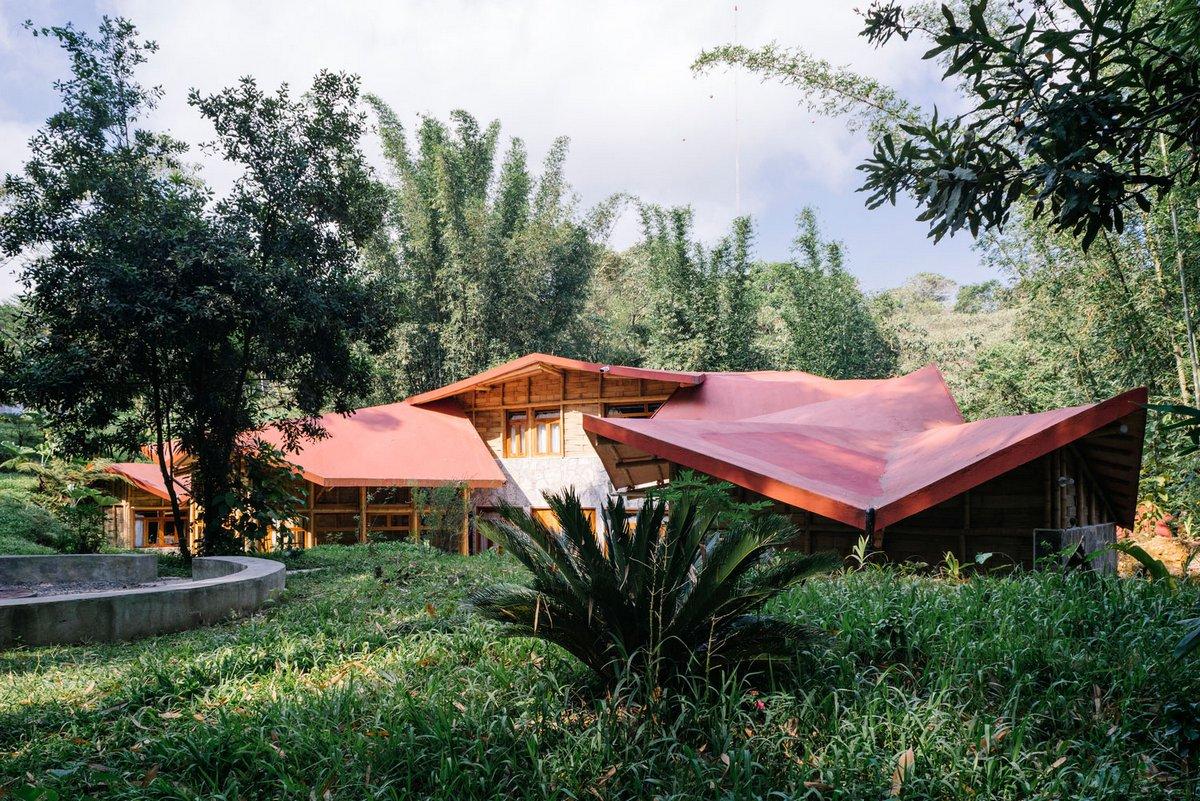 Туристический хостел в пригороде Пуэбла-де-Сарагоса