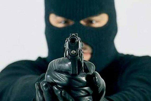 грабитель в маске.jpg