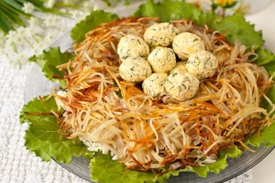 «Птичье гнездо»   салат закуска