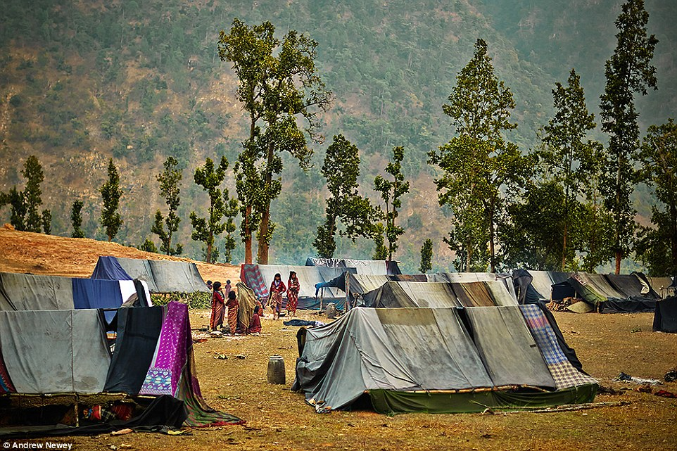 Рауте: кочевой народ Непала, выживающий за счёт охоты на обезьян