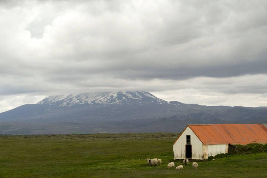 С самого момента колонизации Исландии викингами в 12-м веке гора Гекла считается воротами в ад. В 13