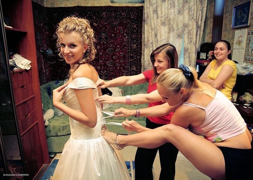 1. Если фотографируете сборы невесты, делайте это красиво.