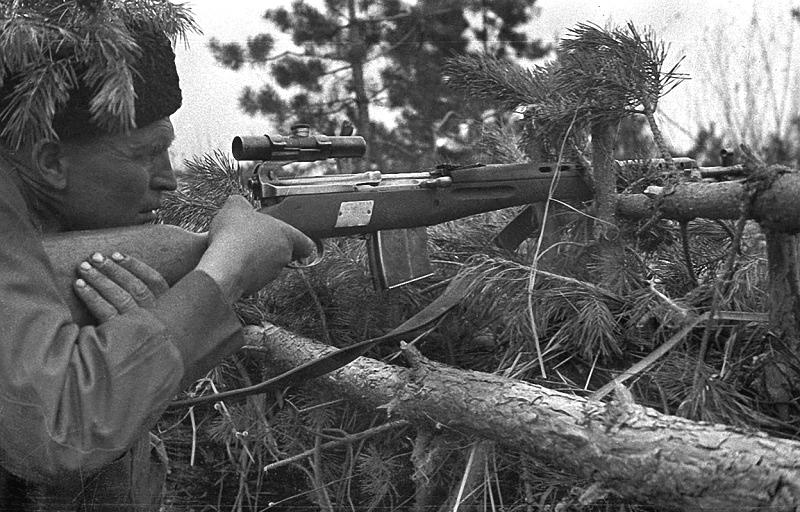 Снайпер Петр Алексеевич Гончаров под Сталинградом. 07-08.42.jpg