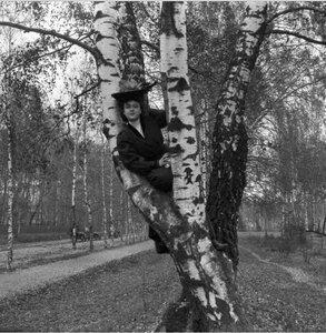 Прогулка в Петровский парк и Соломенную сторожку. «Густя на дереве»