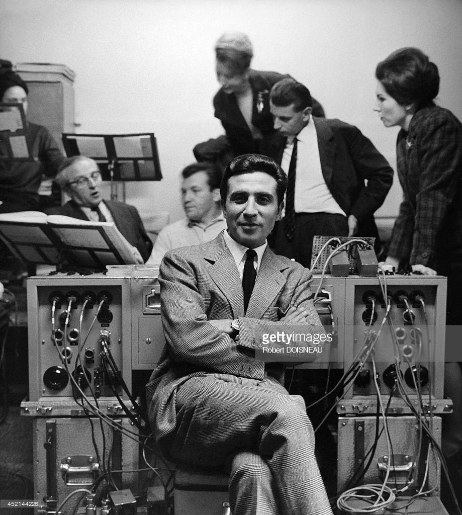 1950-е. Портрет французского певца и композитора Жильбера Беко, Париж.jpg